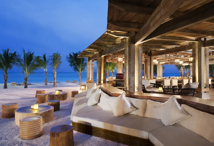 Mẫu thiết kế nhà hàng ven biển